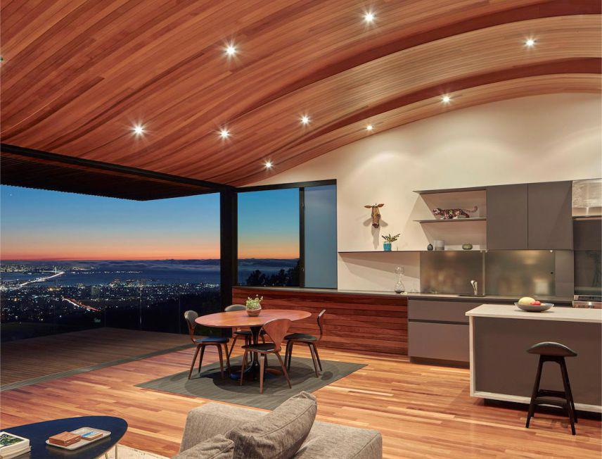 trần nhà làm bằng gỗ plywood